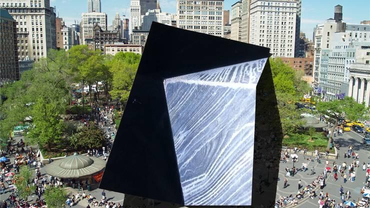 Gefakte Kunst im öffentlich Raum: Bianca Pedrinas Werk «Union Square» aus der Serie «Art in Public Space». Bildquelle: Unione Square New York by David Shankbone