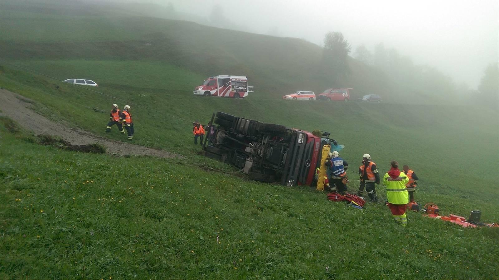 Der Fahrer wurde leicht verletzt.