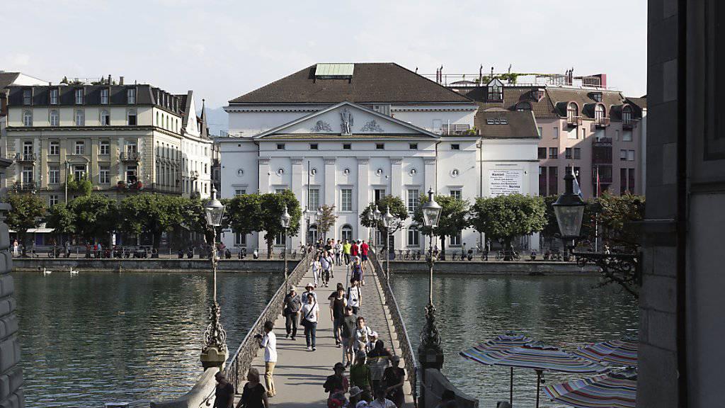 Das Luzerner Theater an der Reuss stellt die kommende Saison unter das Motto «Zeit der Zukunft». (Archivbild)