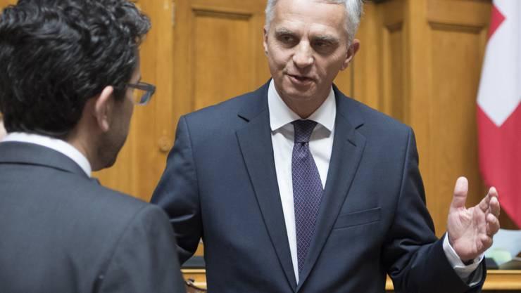 Bundesrat Didier Burkhalter hat sich am Dienstag im Ständerat zu einer möglichen neuen Ostmilliarde geäussert. (Archivbild)