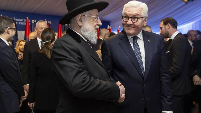 Der deutsche Bundespräsident Frank -Walter Steinmeier (r.) und Rabbi Yisrael Meir Lau am Donnerstag in Jerusalem.