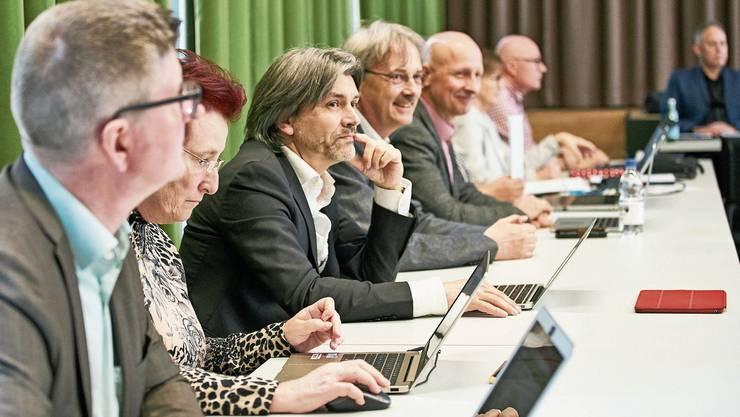 Lohnerhöhung abgelehnt: Es gibt nicht 43500 Franken Entschädigung mehr für den Schlieremer Stadtrat.