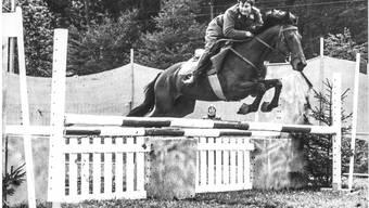 Ernst Fischbach, einer der Gründer der Springkonkurrenz in Wohlen, 1970 an einem Reitanlass in Würenlos. HYPPOPHOT ROLAND VON SIEBENTHAL BERN