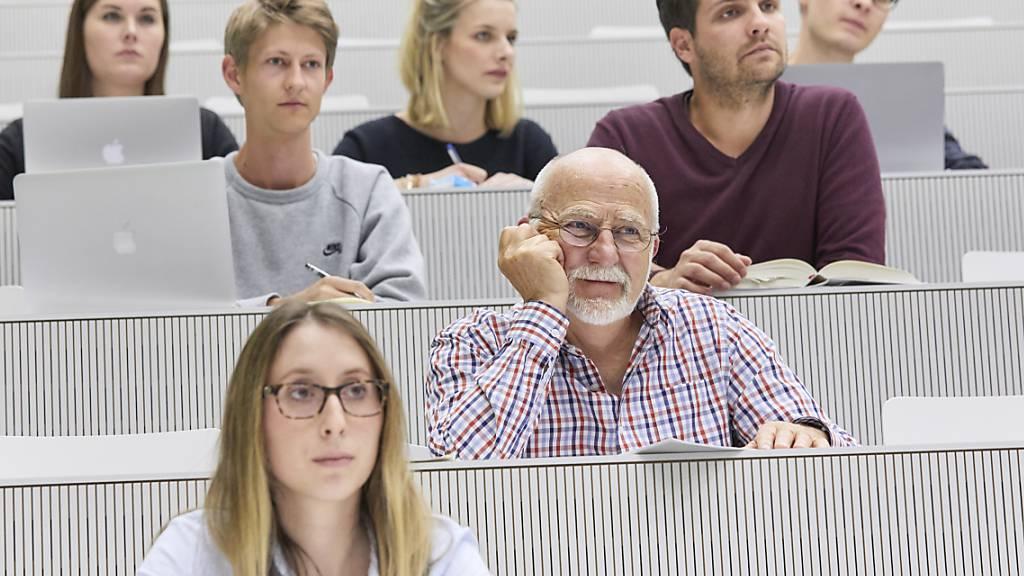 Uni Luzern stellt auf digitalen Betrieb um