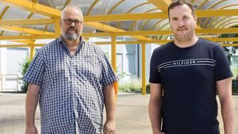 Dino Carpanetti (Gesamtschulleiter, links) und Markus Widmer (Schulleiter Oberstufe) in Schöftland.