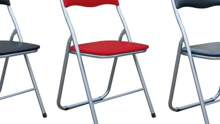 """Die Migros ruft den Klappstuhl """"Foldy"""" wegen Verletzungsgefahr zurück."""