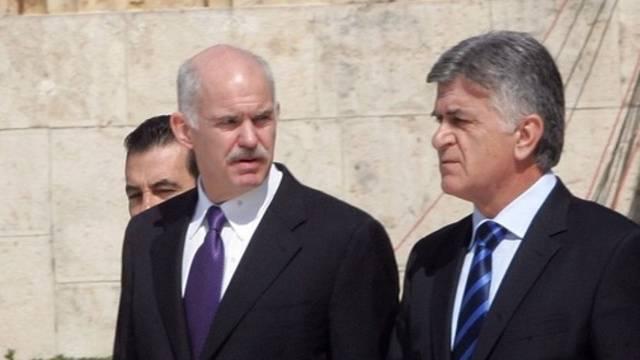Ministerpräsident Giorgos Papandreou und sein möglicher Nachfolger, Parlamentspräsident Filippos Patsalnikos (Archivbild).
