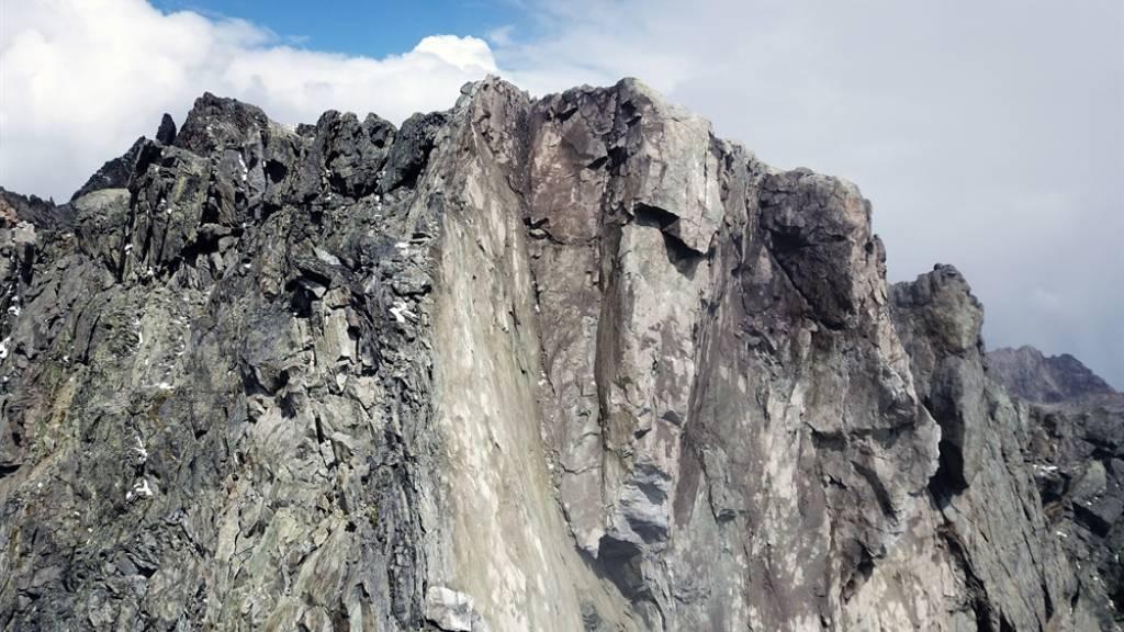 Im Oberengadin droht ein Felsabbruch – Behörden sperren Strasse