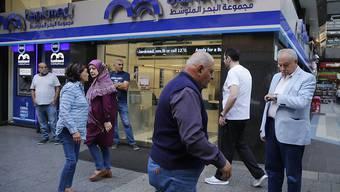 Im Libanon haben Sparer sowie Anleihegläubiger grosse Angst um ihr Geld - die Behörden am Wochenende versuchen, die Lage mit neuen Massnahmen in den Griff zu bekommen. (Archivbild)
