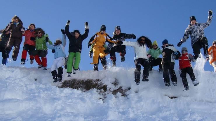 Die Anmeldungen für das Schneelager ohne Ski und Snowboard war auch dieses Jahr so zahlreich, dass ganze drei Lager in Trans und Selva stattfinden.RW/Archiv