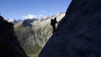 Im Bergsport gibt es mit durchschnittlich 84 getöteten Menschen pro Jahr am meisten Opfer, wie eine Erhebung der bfu zeigt. (Archivbild)