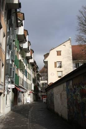 Schmiedengasse: Die wohl schönste Serie Aufziehgiebel der Stadt.