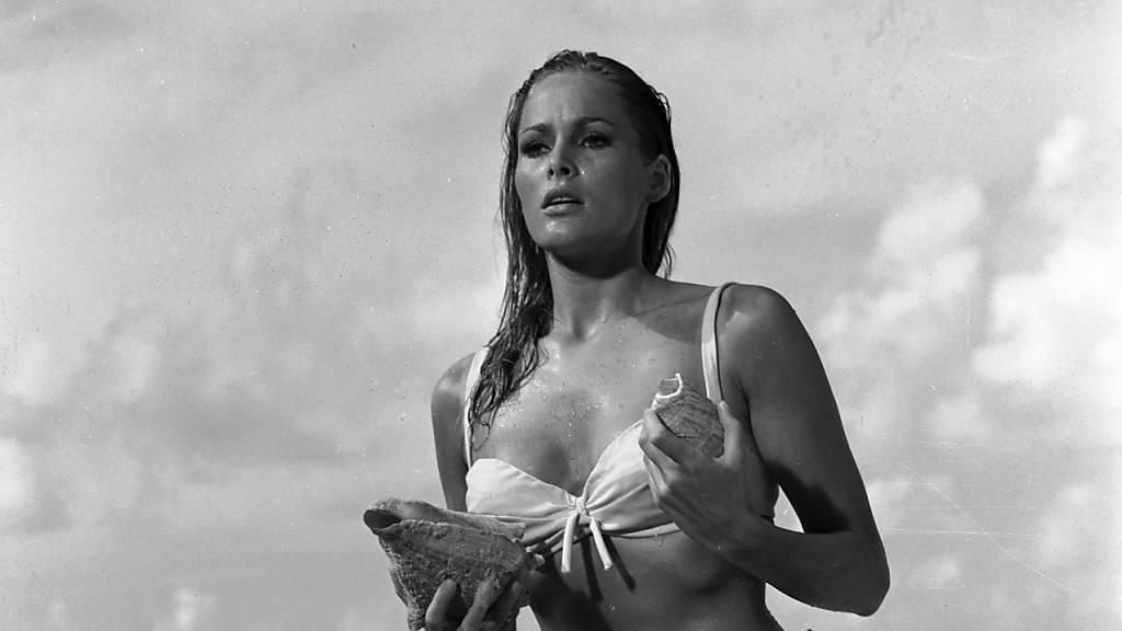 Das berühmte weisse Bikini von Ursula Andress: Sebastian Vettel hat sein neues Formel-1-Auto nach dem ersten Bond-Girl Honey Ryder benannt