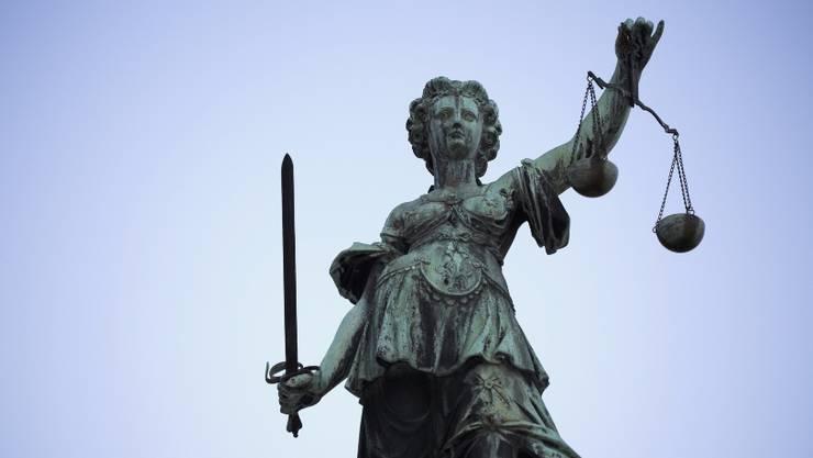 Der Architekt wurde vom Obergericht wegen untreuer Geschäftsbesorgung zu einer bedingten Geldstrafe verurteilt. (Symbolbild).