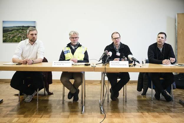 Sie informierten die Medien (v.l.): Adrian Gaugler, Bernhard Baumgartner (beide Polizei), Pascal Pilet und Michael Lutz (beide Staatsanwaltschaft).
