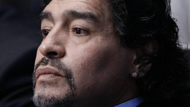 Hat mit einer Klage gedroht: Dego Maradona (Archiv)