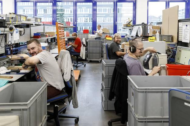 Mit Begeisterung dabei: Trotz konzentrierter Arbeit bleibt bei der Vebo Solutions auch mal Zeit für einen Spass, gerade in diesem aufgestellten Team.
