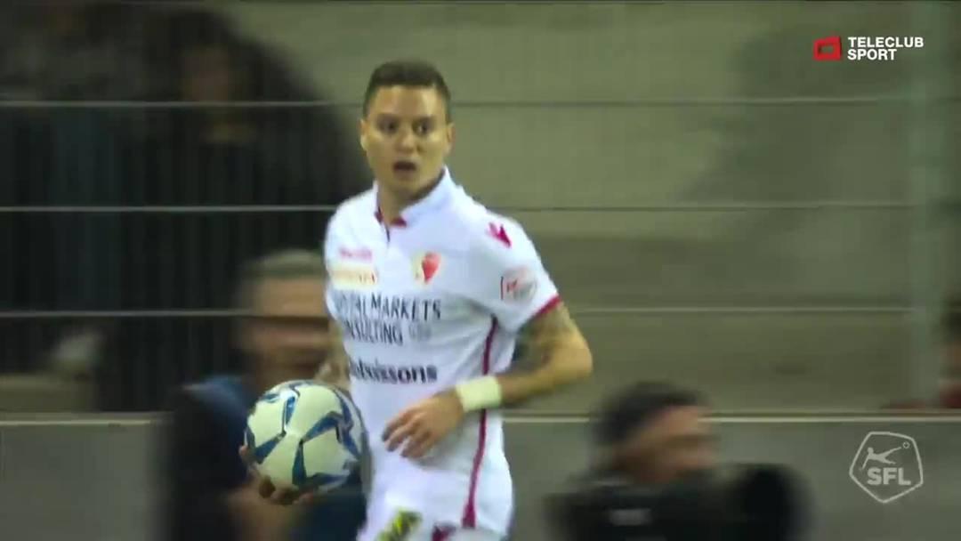 70. Minute: Nach einem Eckball scheitert Bastien Tomas Schuss an Basels Torhüter Jonas Omlin.