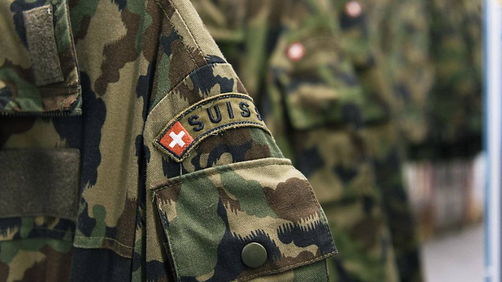 Armee entschuldigt sich wegen Startschwierigkeiten