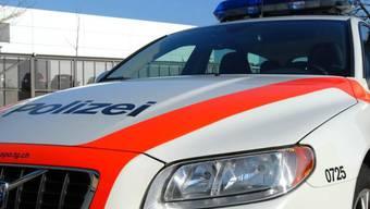 Die mutmassliche Täterin des Tötungsdelikts von Bottighofen TG hat gestanden. Die Kantonspolizei Thurgau klärt die Umstände der Tat. (Symbolbild)
