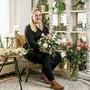 Die gelernte Floristin Céline Müller stellt am liebsten Sträusse und Dekorationen für Hochzeiten zusammen.
