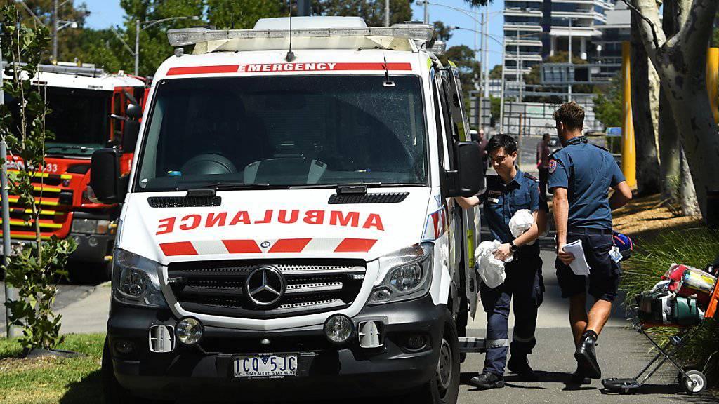 In der australischen Metropole Melbourne sind am Mittwoch zahlreiche Konsulate evakuiert worden, nachdem in den diplomatischen Vertretungen verdächtige Päckchen eingegangen waren.