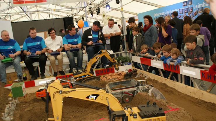 Die Minibaustelle des Baugeschäfts Hirt zog viele Zuschauer an