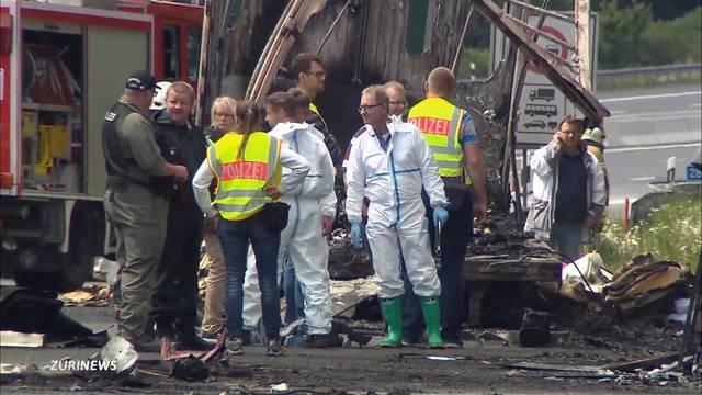 18 Tote nach Busunglück in Bayern