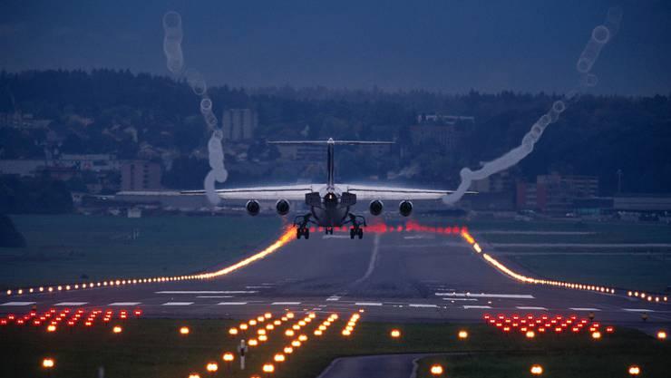 Der verlängerte Testbetrieb des Flughafen Zürichs betrifft Stunden zwischen 7 und 9 Uhr morgens am Wochenende sowie an deutschen Feiertagen.