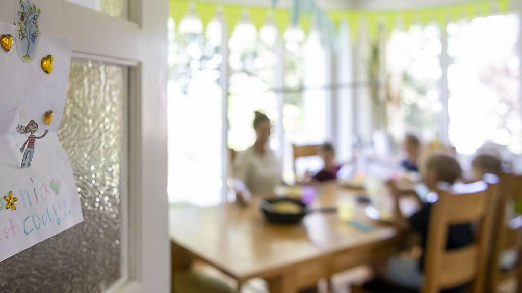 Die Betreuung von Tageskindern in einer Eigentumswohnung kann je nach Reglement unzulässig sein. (Symbolbild)
