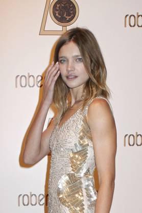 Aktuell wirbt Vodianova für Luxusmarken wie Louis Vuitton, Yves Saint Laurent und Givenchy.