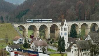 Das Läufelfingerli soll tot gespart werden, Postfilialen gehen zu aber der Bahnhof in Liestal soll saniert werden.