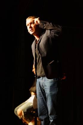 Kabarettist Simon Enzler wettert in seinem Programm «Vestolis» gegen alles Mögliche