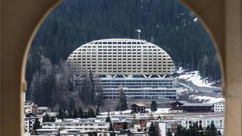 Das «Goldene Ei» in Davos sucht Käufer für seine luxuriösen Zweitwohnungen.