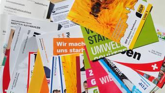 Wurden mehrheitlich im Kanton gedruckt: Wahlprospekte der Solothurner Kandidatinnen und Kandidaten für das Bundesparlament.bruno kissling