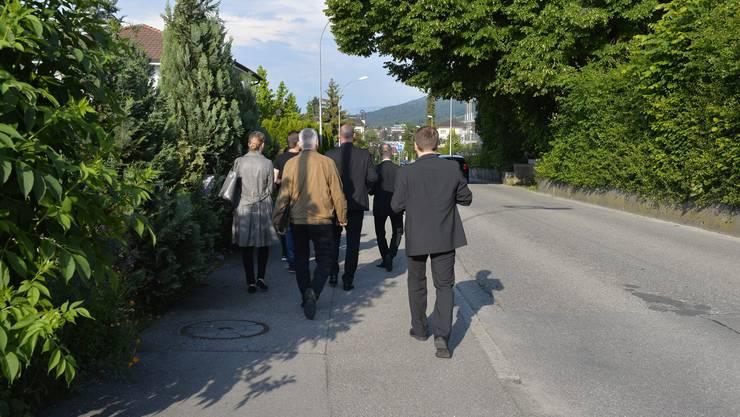 Ortstermin mit Richter, Zeugen und Beschuldigter an der Jurastrasse.