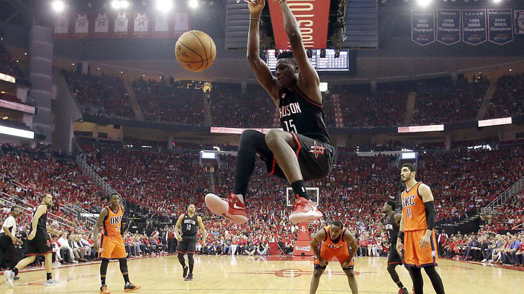 Clint Capela startet mit den Houston Rockets erfolgreich in die Playoffs.