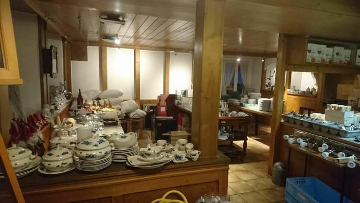Der Inventarverkauf des geschlossenen Restaurants Sonne findet heute und morgen in der Gaststube statt.