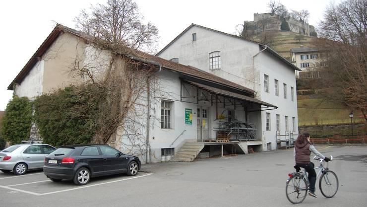Im Seifi-Lagerhaus sollen Räume für Museum Burghalde und Bauamt umgebaut werden. HH.