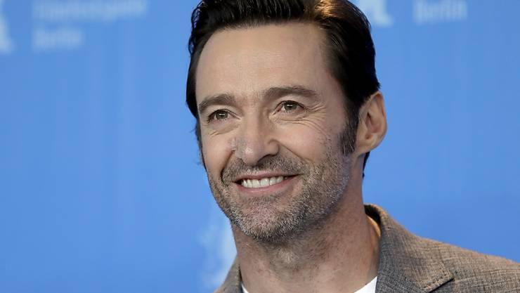 Hugh Jackman, der seine Narbe an der Nase nach einer Hautkrebs-Operation mit einem hautfarbenen Pflaster cachiert, war am Freitag auf der Berlinale guter Dinge. Nur der Abschied von seiner Figur Wolverine schmerzte ihn etwas.