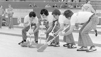 So sah Curling in den frühen Siebzigern aus. Hier das legendäre Attinger-Team an der WM 1974 in Bern
