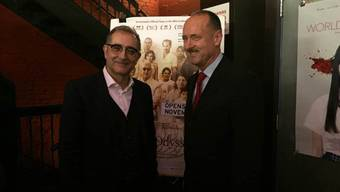 """Regisseur Samir (links) und der Schweizer Generalkonsul Andre Schaller bei der Vorstellung von """"Iraqi Odyssey"""" in New York."""
