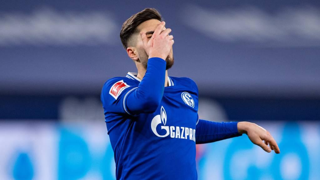 Das Aufbäumen dürfte für Torschütze Suat Serdar und Schalke zu spät kommen.