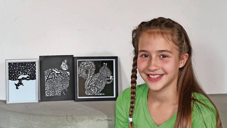 Die 12-jährige Reitnauerin Michelle de Garis ist seit einem Jahr Papierschneiderin.