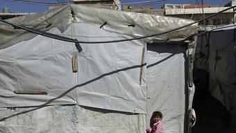 Syrisches Kind in einem Flüchtlingslager des UNHCR im Libanon. Die Schweiz nimmt weiterhin Gruppen von besonders verletzlichen Flüchtlingen auf. (Archivbild)
