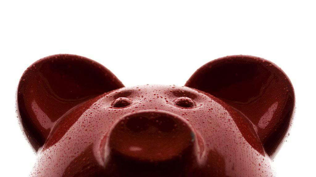 Das Sparschwein als Symbol der diesjährigen Budgetdebatte: Das Parlament hat gegenüber dem Bundesrat weitere Millionenkürzungen beschlossen. (Symbolbild)
