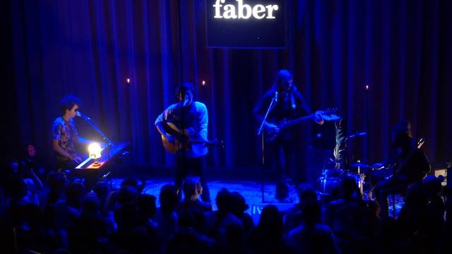 Faber rockte zum Saisonschluss die Royal-Bühne in Baden und das Publikum geriet völlig aus dem Häuschen