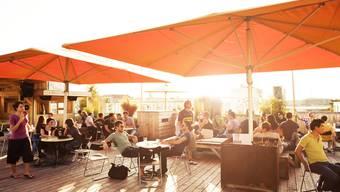 Die Hinterhof-Bar darf ein weiteres Jahr an ihrem jetzigen Standort bleiben