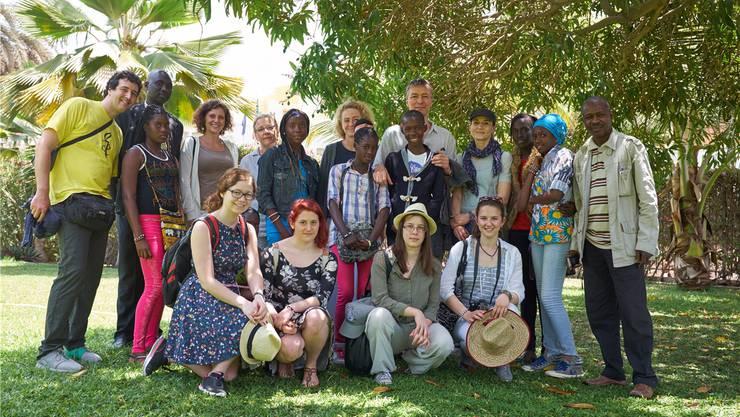 Die Solothurner Kantidelegation zu Besuch am «Collège Ousmane Ngom»