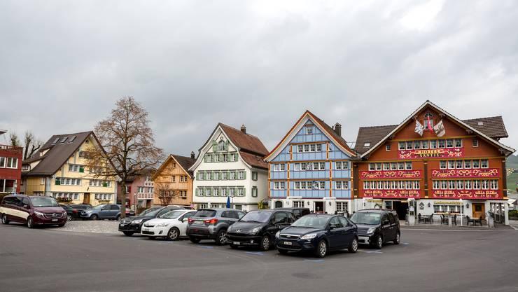 Der Landsgemeindeplatz in Appenzell: Zentrum des politischen und gesellschaftlichen Lebens.